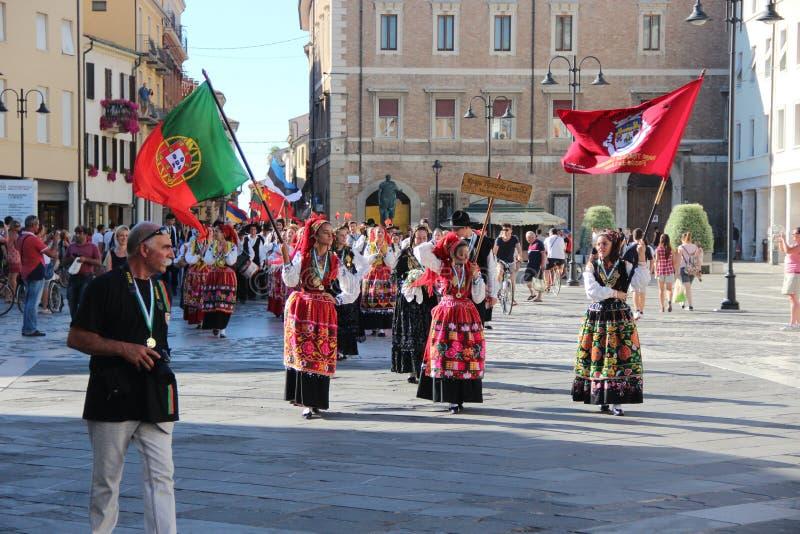 Carnaval avec des drapeaux du ` s de pays image libre de droits