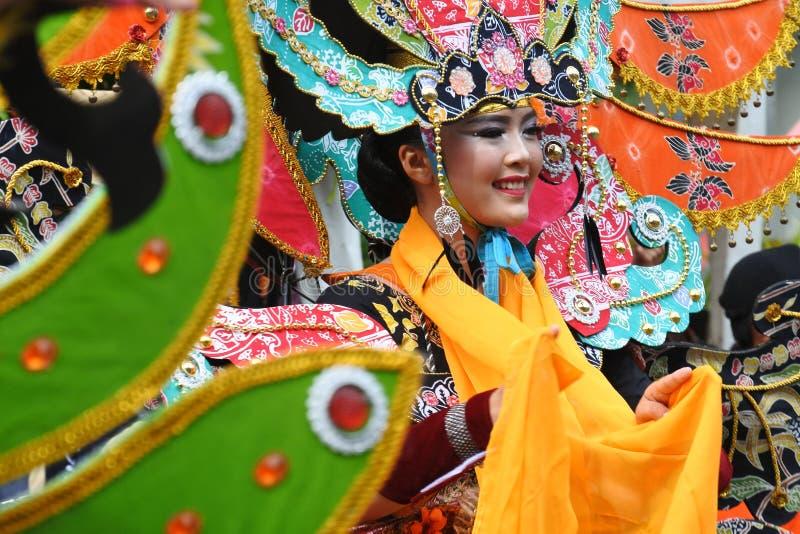 Carnaval da forma do Batik realizado em Blora imagem de stock