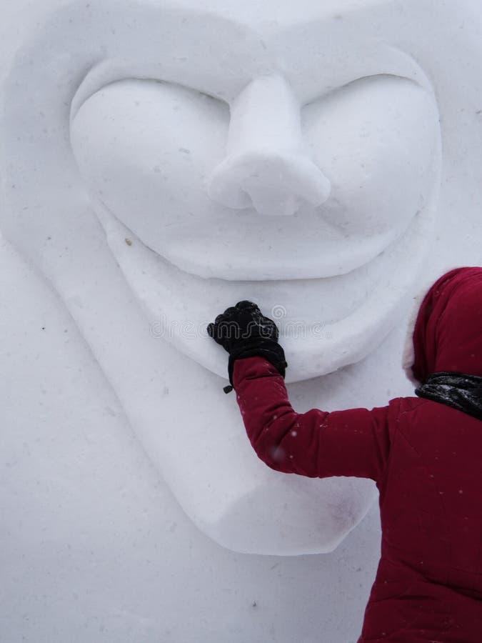 Carnaval de Quebec: Acontecimiento de la escultura de la nieve imagenes de archivo