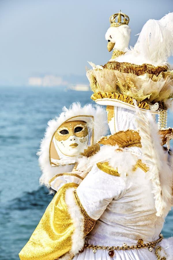 Carnaval 2017 de Venecia Traje veneciano del carnaval Máscara veneciana del carnaval Venecia, Italia Traje veneciano del carnaval fotos de archivo libres de regalías