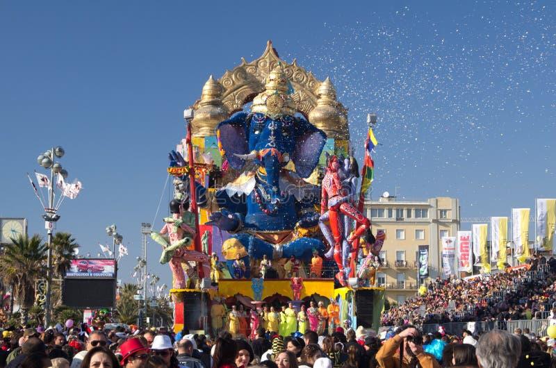 Carnaval de Viareggio 2011, Italia fotos de archivo