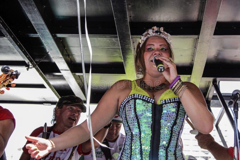 Download Carnaval Populaire Brésilien De Rue Avec La Musique De Samba Image stock éditorial - Image du rythme, chanteur: 87703879