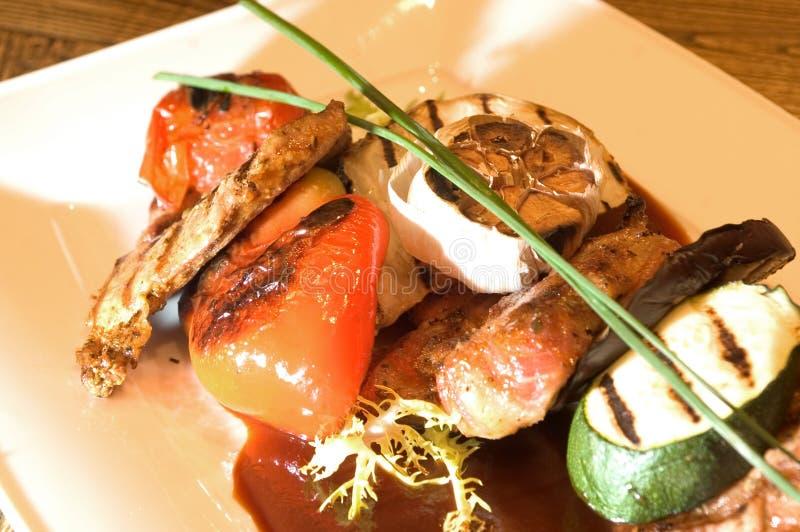 Carne & verdure di recente cotte fotografie stock libere da diritti