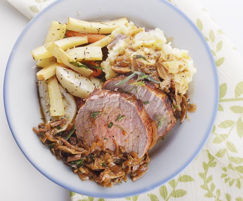 Carne asada y verduras de carne de vaca foto de archivo
