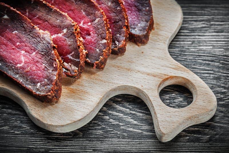 Carne cortada que talla concepto de la comida del tablero imágenes de archivo libres de regalías
