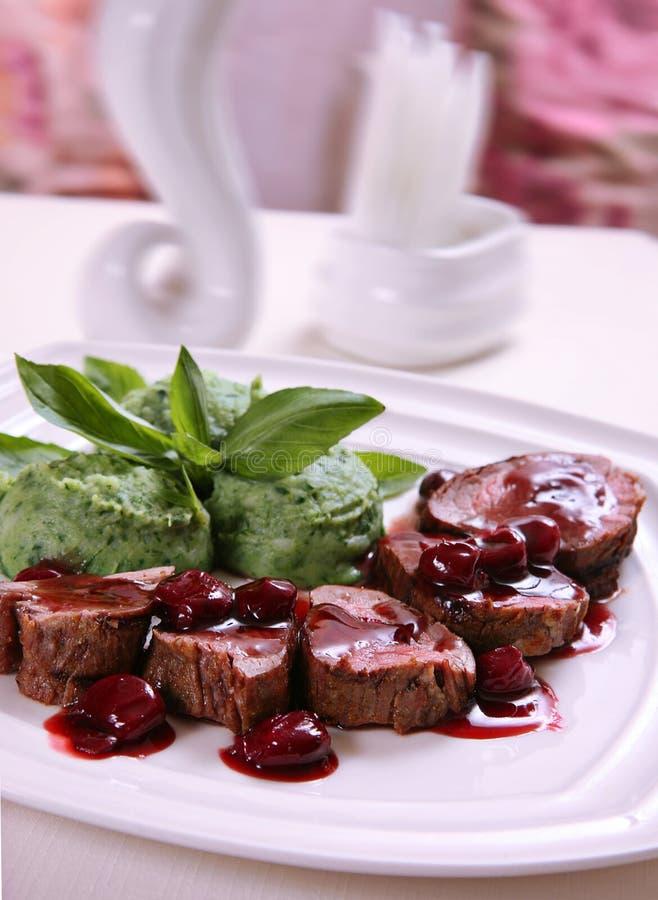 Carne cotta del vitello fotografia stock libera da diritti