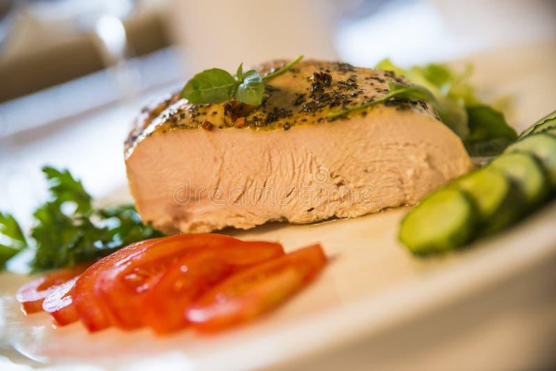 Carne cozinhada saboroso e vegetais imagens de stock