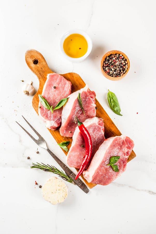 Carne cruda, bistecche della carne di maiale immagini stock libere da diritti