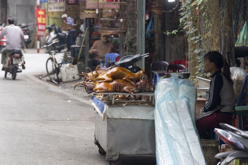 Carne de cão de venda e de compra em Vietname imagens de stock