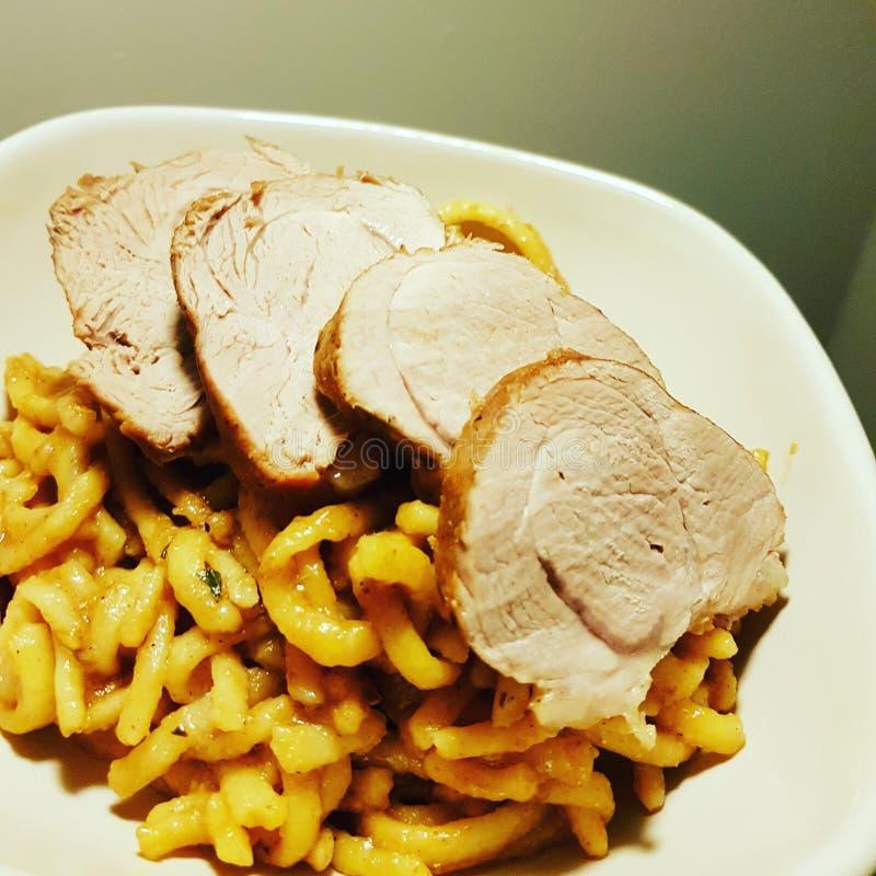 Carne de porco e macarronetes imagens de stock royalty free