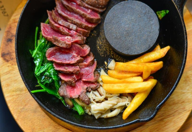 Carne de vaca ahumada tradicional del wagyu de la barbacoa foto de archivo