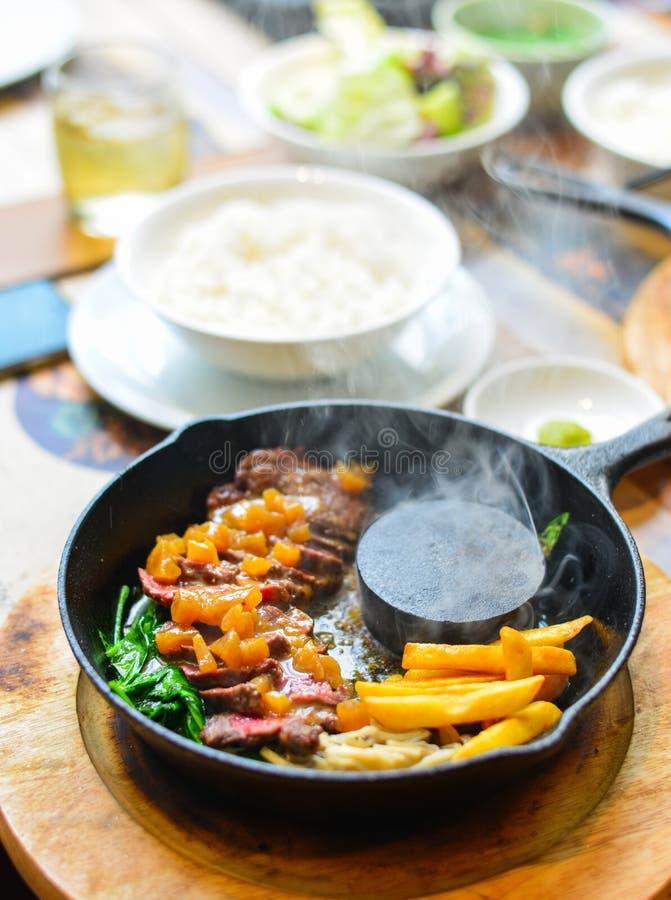 Carne de vaca ahumada tradicional del wagyu de la barbacoa fotografía de archivo