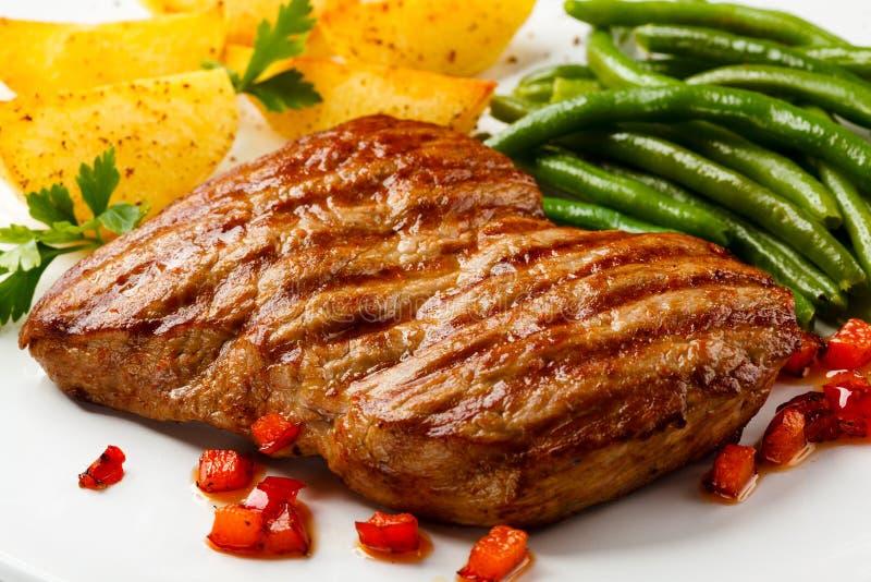 Carne de vaca asada a la parilla fotos de archivo
