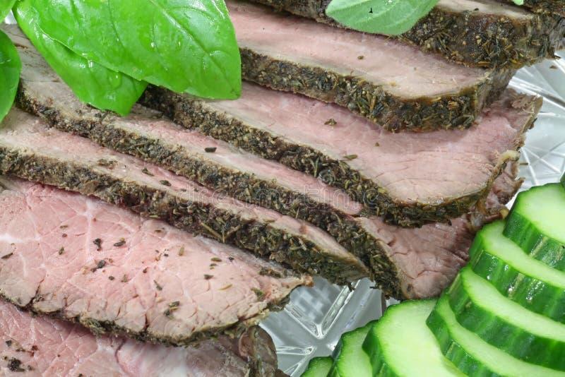 Carne de vaca de carne asada rara media imagenes de archivo