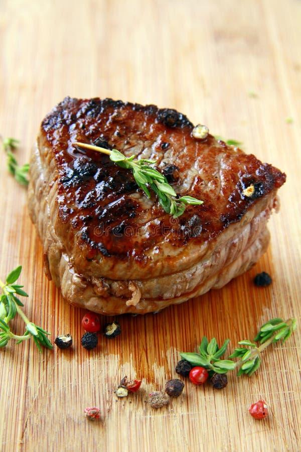 Carne de vaca jugosa del solomillo foto de archivo libre de regalías