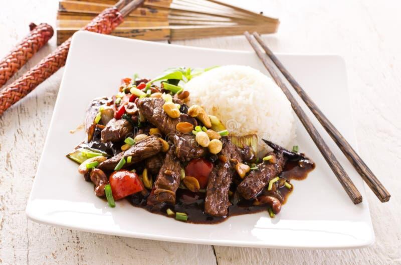 Carne de vaca mongol con arroz imágenes de archivo libres de regalías