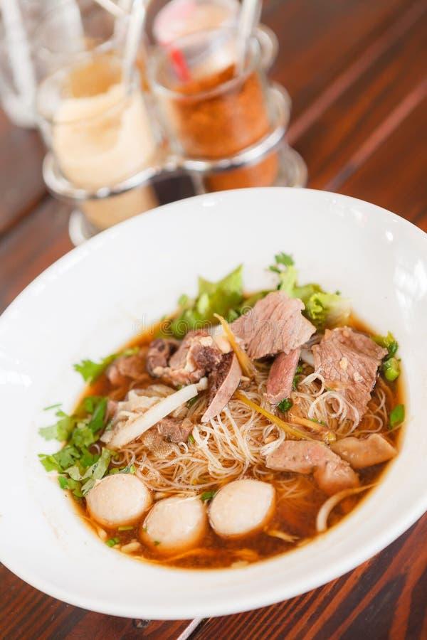 Carne de vaca Stew Noodle Soup Alimento tailandés - fritada #6 del Stir foto de archivo