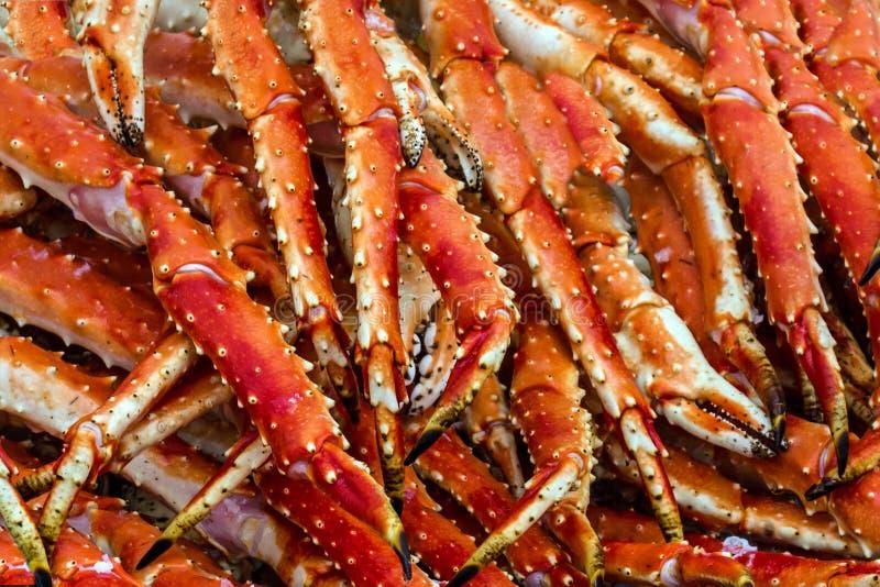 Carne di granchi reali Fondo dei frutti di mare, fishmarket di Bergen, Norvegia immagini stock libere da diritti