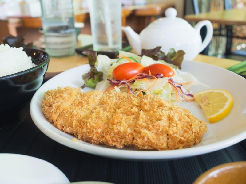 Carne di maiale fritta in grasso bollente giapponese fotografie stock
