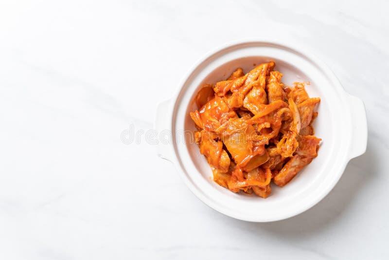 Carne di maiale in padella con il kimchi immagine stock