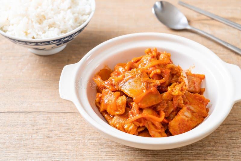 Carne di maiale in padella con il kimchi immagine stock libera da diritti
