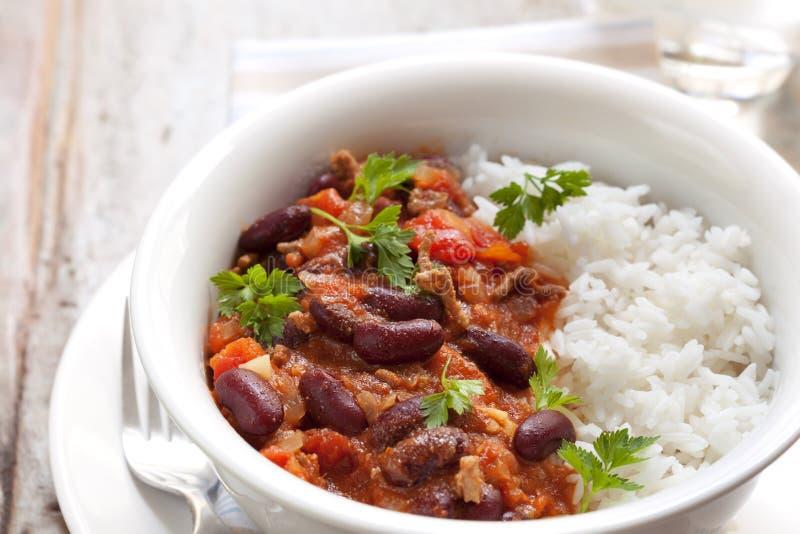 Carne di manzo con salsa al peperoncino rosso con riso fotografia stock