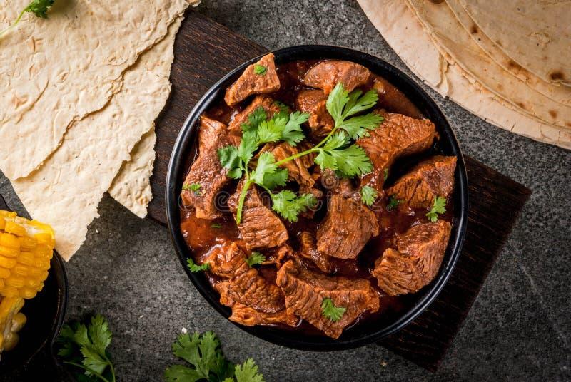 Carne do Chile Colorado com tortilhas imagem de stock