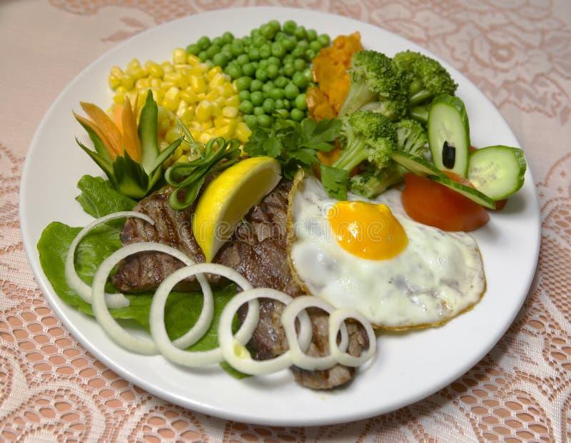 Carne e vegetabkes fotografie stock