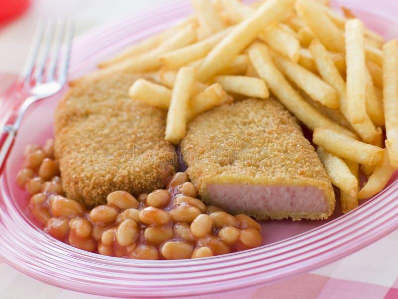 Carne esmigalhada pão do almoço com feijões cozidos imagem de stock royalty free