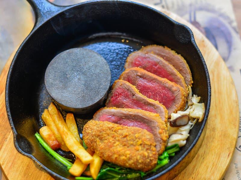 Carne fumado tradicional do wagyu do assado imagem de stock