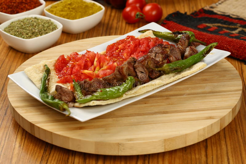Carne grelhada & x28; kebab& x29; fotos de stock royalty free