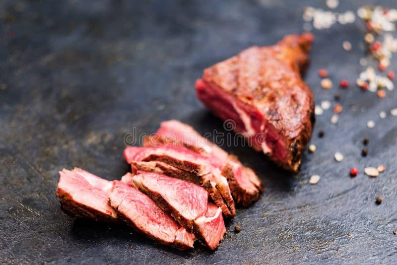 Carne grelhada média do bife do vaqueiro da receita da carne de Bbg imagens de stock royalty free