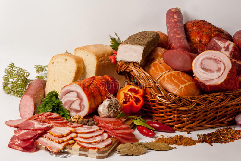 Carne y salchichas imagen de archivo