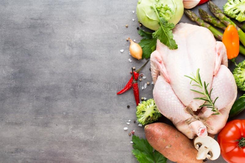 Carne y verduras frescas del pollo Endecha plana foto de archivo libre de regalías
