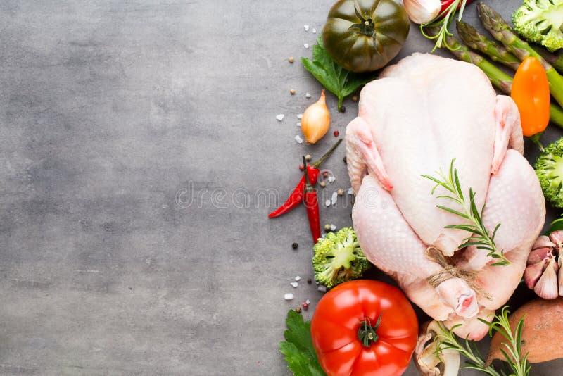 Carne y verduras frescas del pollo Endecha plana imagen de archivo