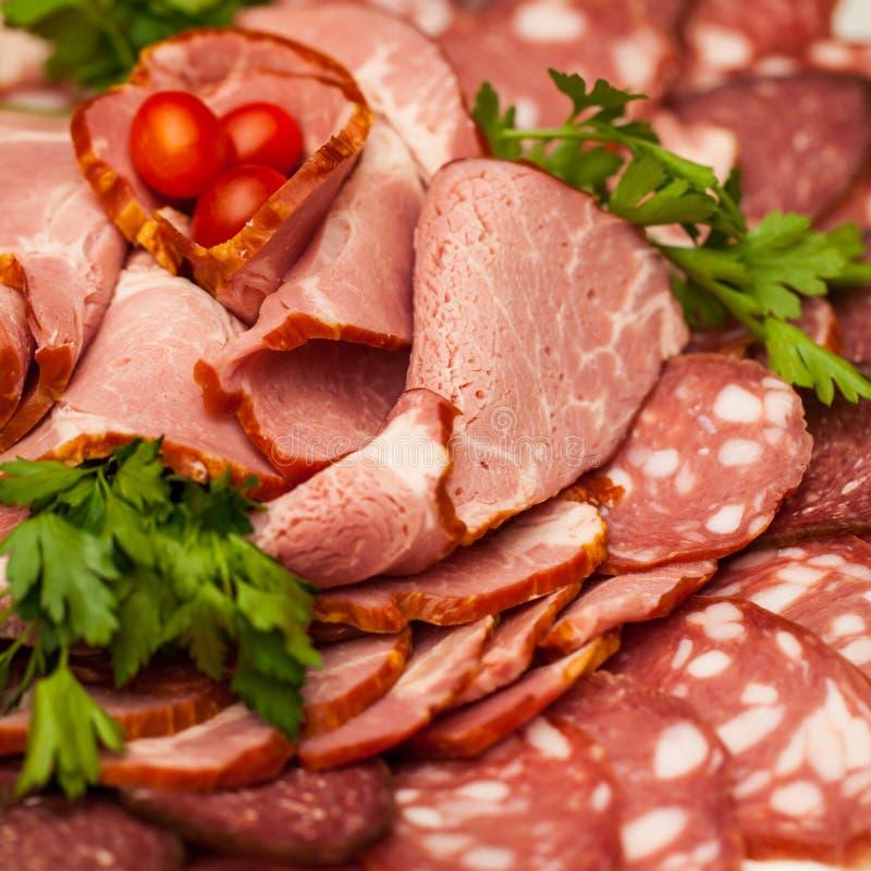 Carnes frias do supermercado fino sortido foto de stock