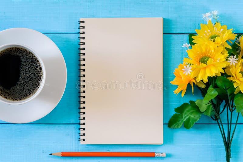 carnet et café bonjour images libres de droits