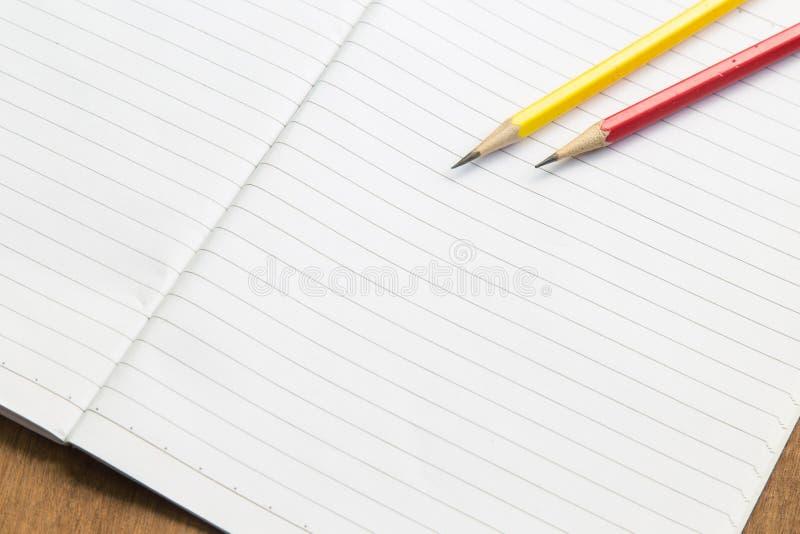 Download Carnet Vide Avec Le Crayon Sur La Table En Bois, Concept D'affaires Image stock - Image du conception, retrait: 87709463
