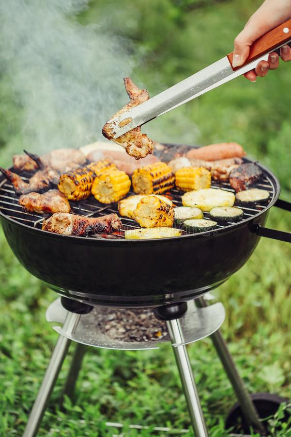 Carni e verdure del barbecue fotografie stock libere da diritti