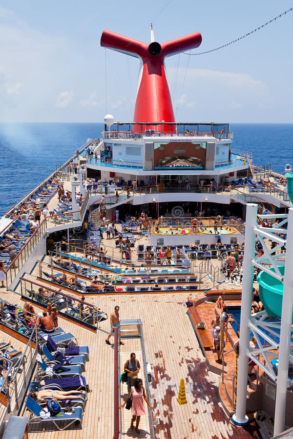 Download The Carnival Ship Freedom editorial stock image. Image of ship - 26378349
