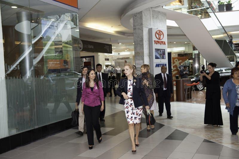 Carolina Herrera die Peru bezoeken stock afbeeldingen