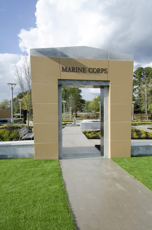 Carolina Veterans Park del norte, Fayetteville 22 de marzo de 2012: Parquee dedicado a todos los veteranos del NC en el estado fotos de archivo