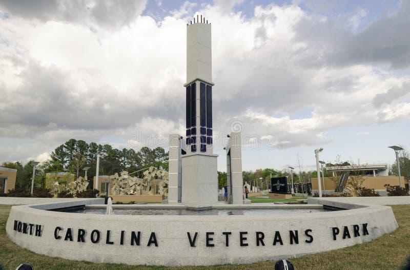 Carolina Veterans Park del norte, Fayetteville 22 de marzo de 2012: Parquee dedicado a todos los veteranos del NC en el estado imagen de archivo