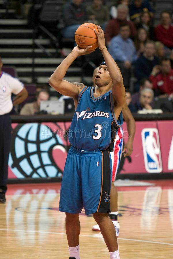 Free Caron Butler Shoots A Free Throw Royalty Free Stock Images - 35188439