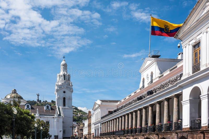 Carondelet slott i Quito i självständighetfyrkanten arkivbilder