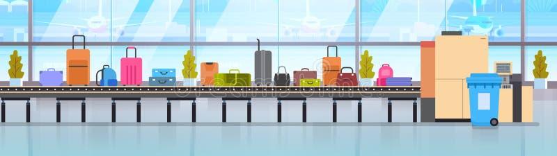 Carosello del bagaglio in valigie differenti dell'aeroporto che esplorano sul nastro trasportatore dei bagagli prima della parten illustrazione di stock