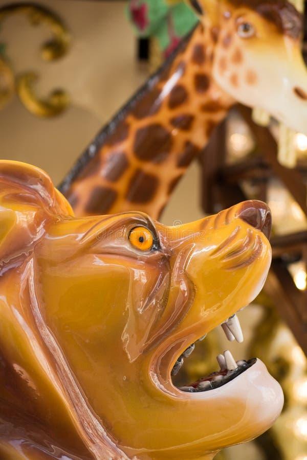 Carosello francese tradizionale variopinto della città per i bambini, animali immagine stock