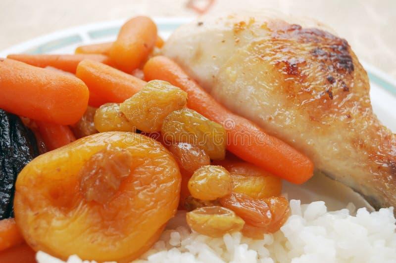 Carote stufate con riso e pollo immagine stock libera da diritti