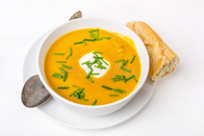 Carotte et Bean Soup au curry crémeux photo stock