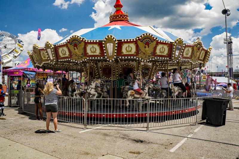Carousel/Весел-Идти-круглая стоковые изображения
